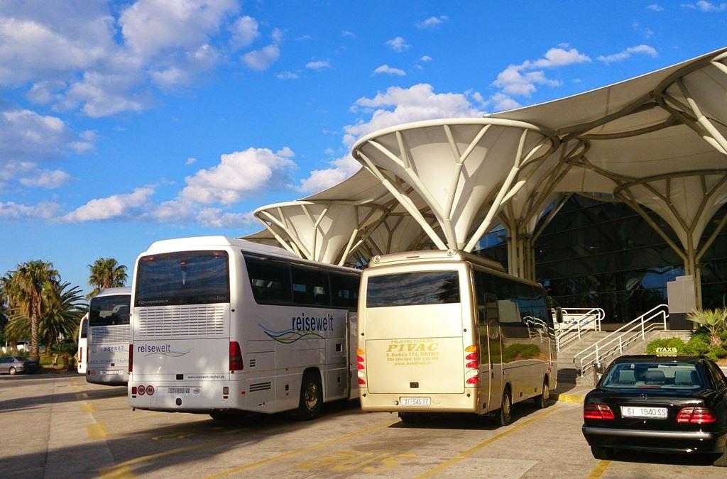Split airport shuttle bus