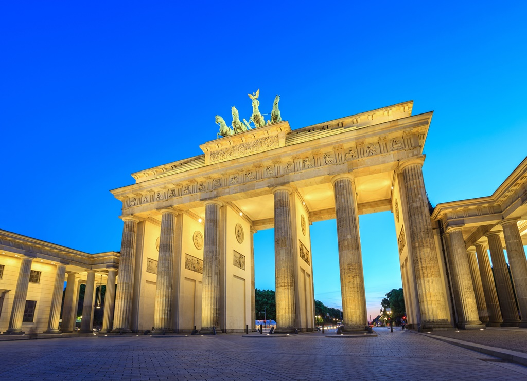 brandenburg gate at night - photo #19
