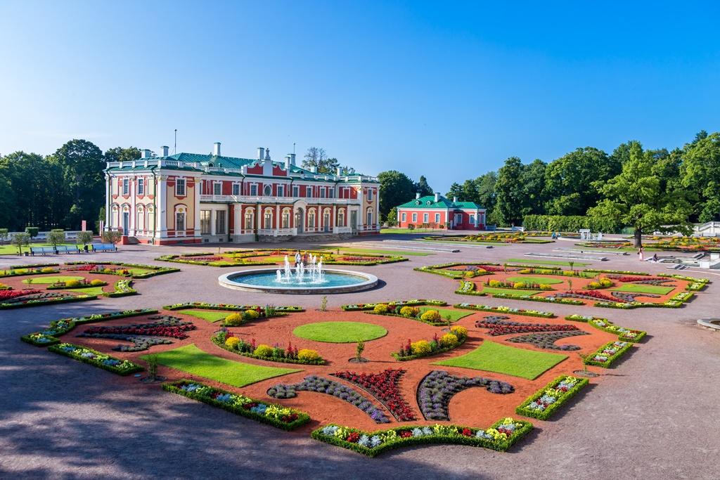 kadriorg-palace-tallinn