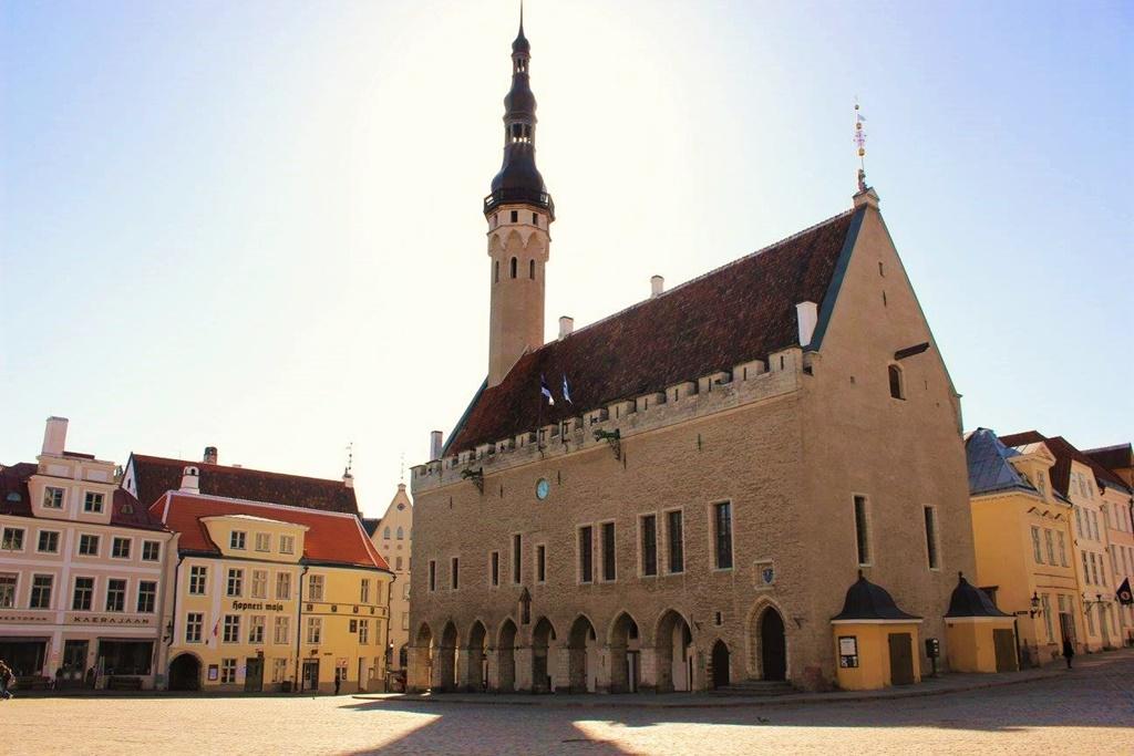 tallinn-city-hall