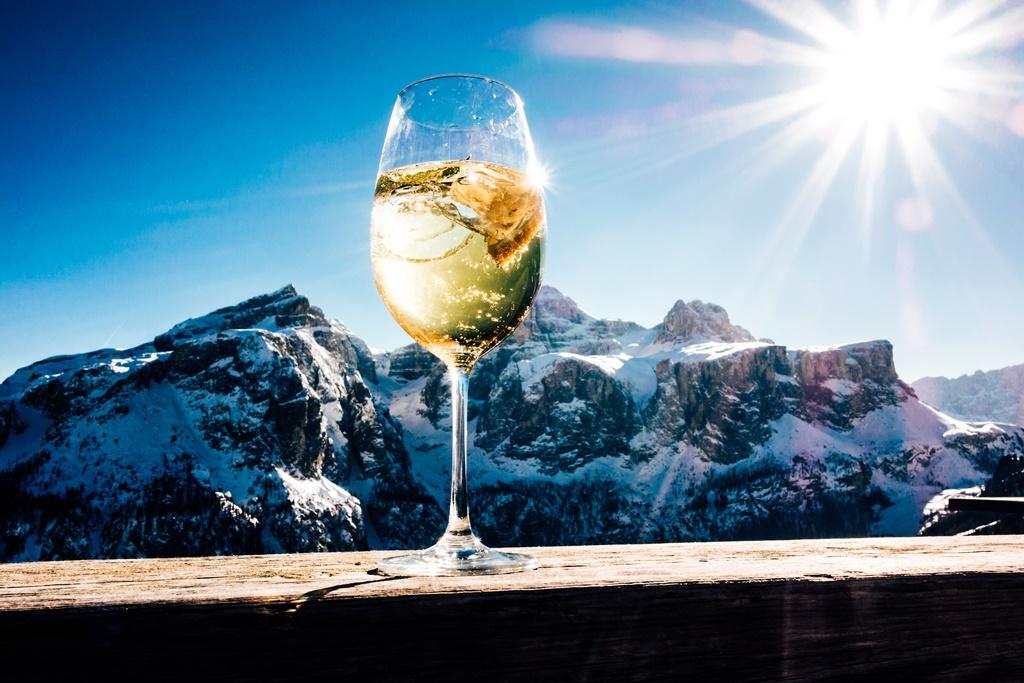 Apres Ski drinking party mountains