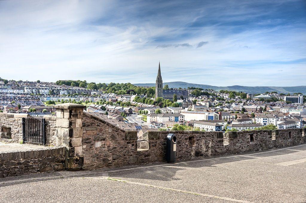 derry-city-walls-promenade