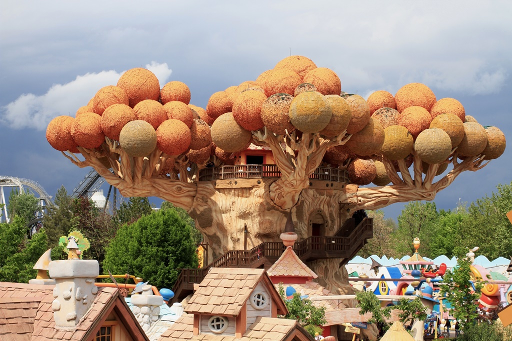 gardaland-magic-tree