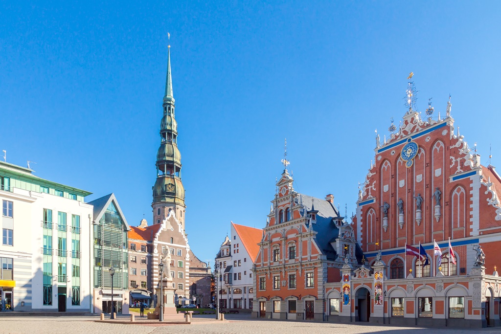 Town Hall Square and the House of the Blackheads in Riga's historic center.
