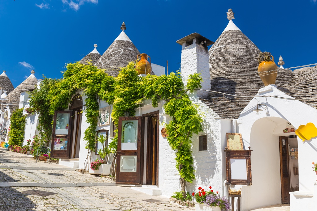 ... Trulli Houses So If You Were Planning To Buy A Souvenir, Rione Monti Is  The Place For You. They Even Have A Trulli Church, The Church Of St.  Anthony.