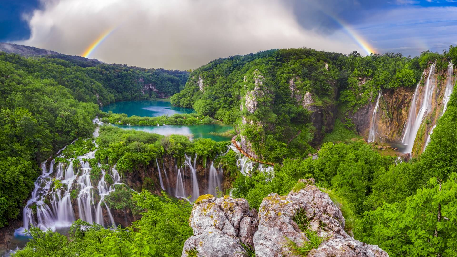 Plitvice Lakes National Park, Croatia | A Guide To The Amazing Lakes