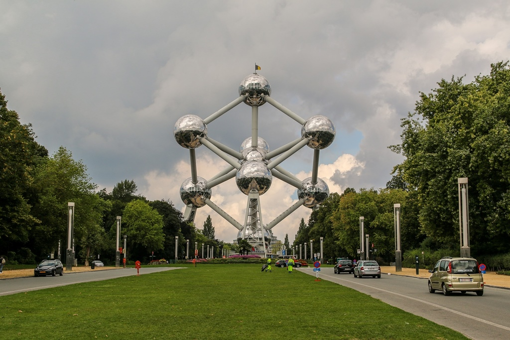 belgium atomium brussels buildings unusual europe unique architecture most structure landmark park architectural square town european tower sculpture brussel tourist
