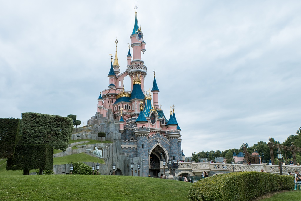 Visiting Disneyland Paris - how to get there and what to do
