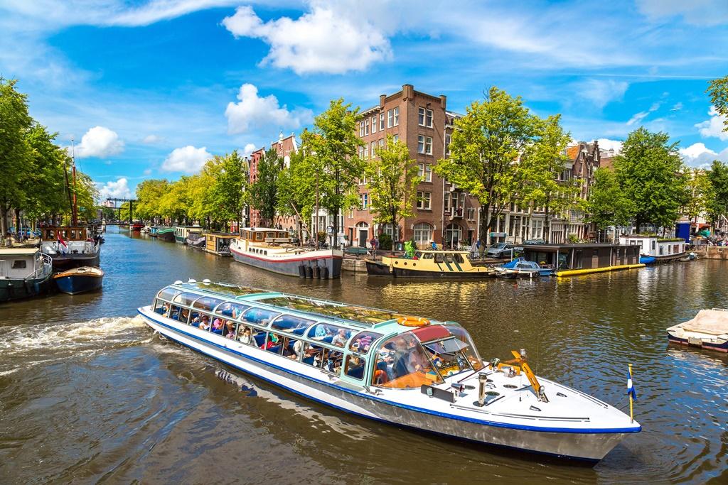Rondvaart boot Amsterdam