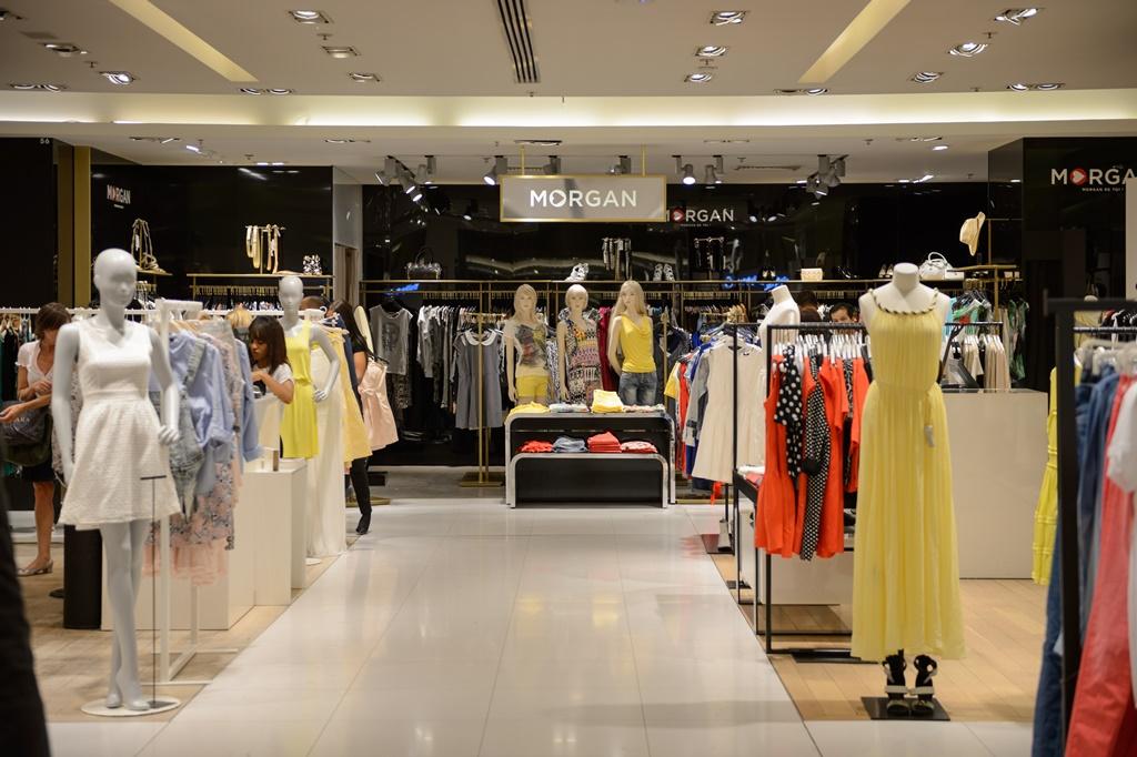 0c56519bd360 Mentre siete a Milano, non dimenticate di visitare Corso Buenos Aires, la  via dello shopping più lunga d'Europa (1 km) con oltre 350 negozi come  Desigual, ...
