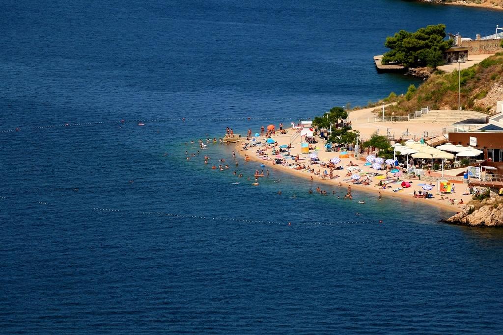 Banj Beach
