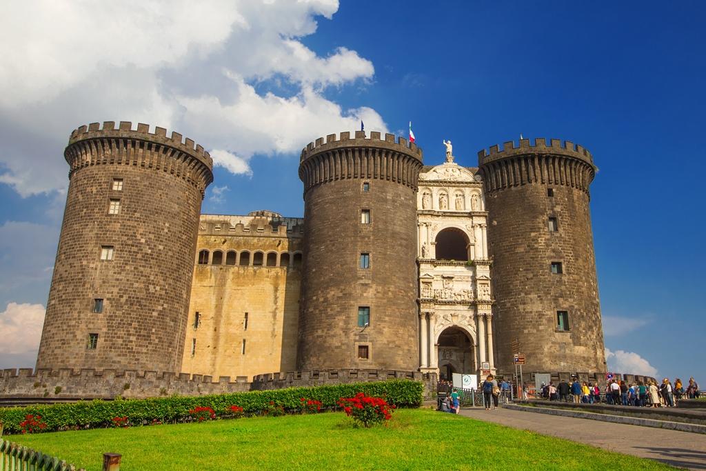 Castelo Nuovo Napulj