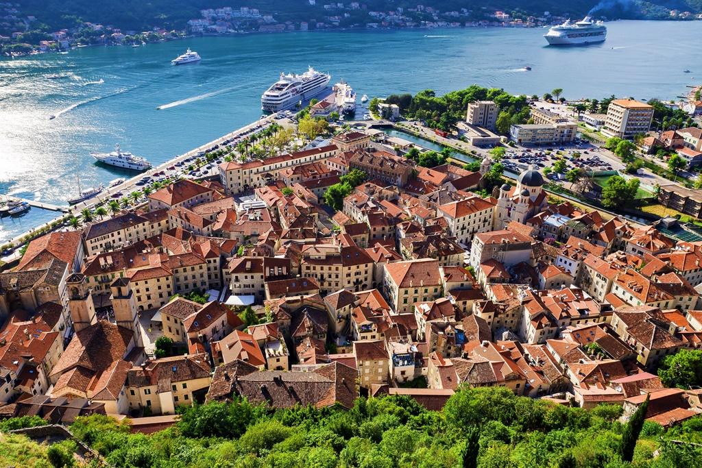 Pogled na Kotor s tvrđave