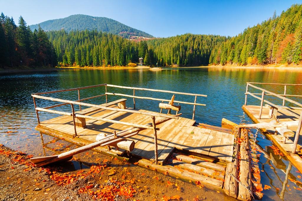 Lago Synevir nei Carpazi