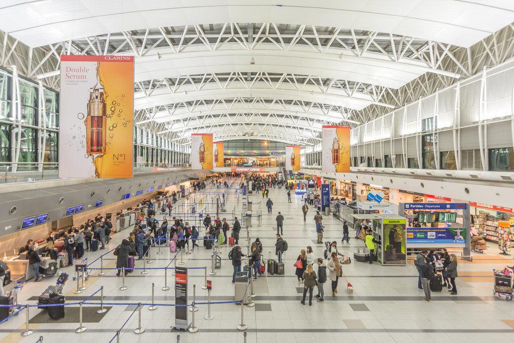 Una vista dall'interno dell'Aeroporto di Buenos Aires